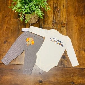 Carter's my first Thanksgiving outfit size 6M